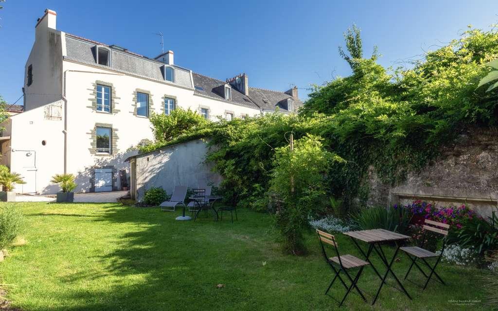 jardin-maison-hotes-ile-de-Groix-Bretagne
